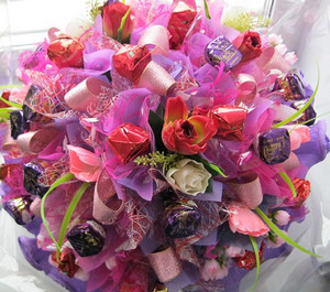 Kendi ellerindeki çiçekler: oluklu kağıttan yapılmış bir orkide 71