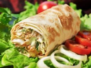 Evde lezzetli, hızlı shawarma nasıl yapılır