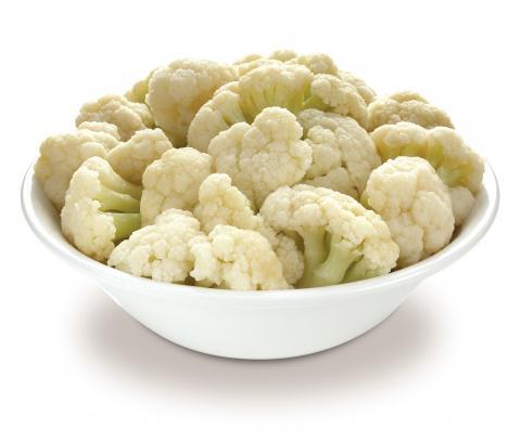Wie man einen Salat des gefrorenen Blumenkohls vorbereitet. Rezepte ...